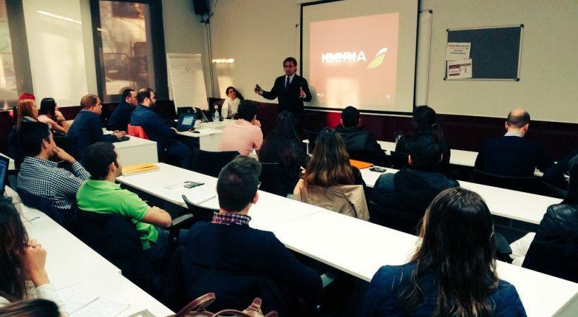 Cambios de imagen en Iberia, charla en EUDE